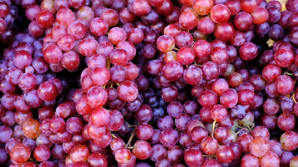 Big pile of red grapes (antioxidants)