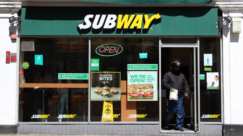The lowest calorie sandwich you can order at Subway