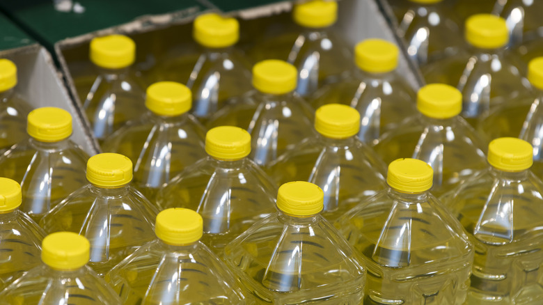 The real reason you should stop cooking with vegetable oil