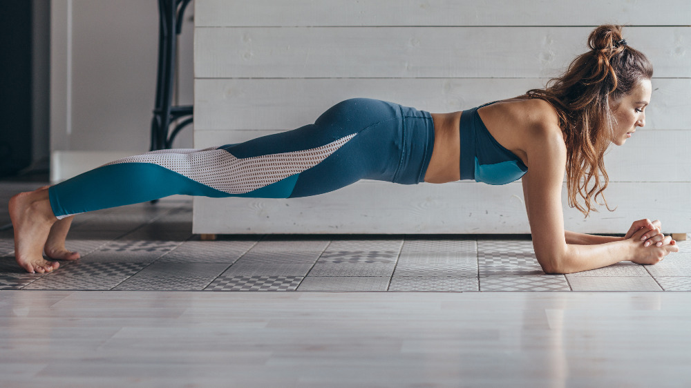 When you plank every day, this is what really happens