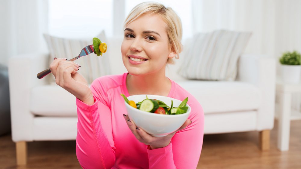 When you only eat salad every day, here's what happens to your body